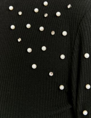 Top with Pearl Shoulders